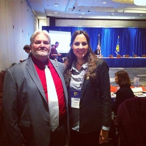 Foto John Thompson y la Dra Núria Querol