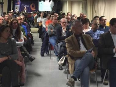 A la trobada han assistit un centenar de persones.