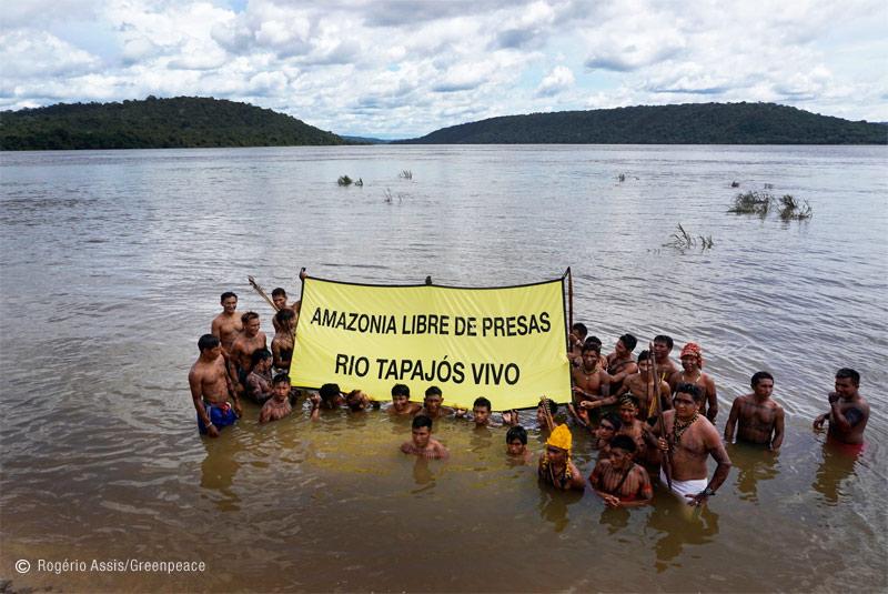 Acció de Greenpeace a l'Amazònia per salvar la tribu Mundurukú i el seu entorn