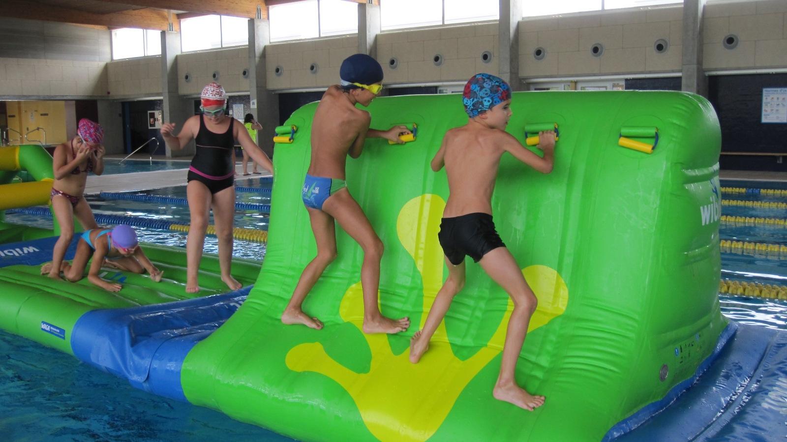 """La Piscina de Roses, en plena activitat durant l'estiu amb campus, cursos i la novetat """"Play & Swim"""" per als més petits"""