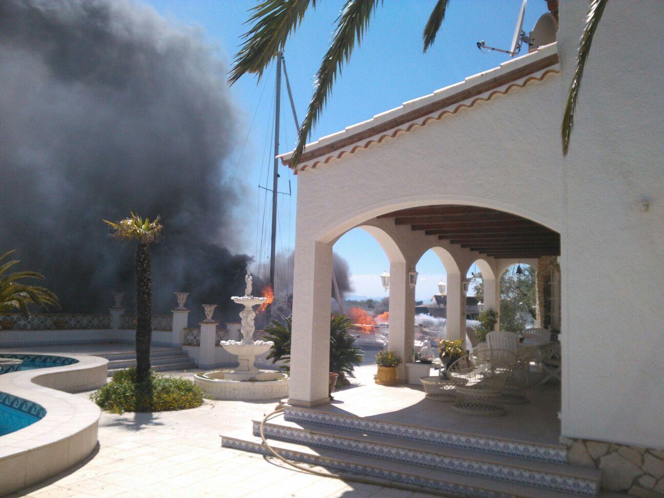 Cremen tres embarcacions a Santa Margarida