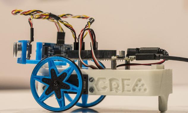 Un kit educatiu apropa la robòtica i la impressió 3D a les aules