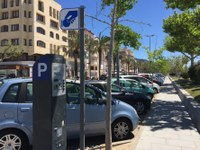Roses inicia el període de zona blava per afavorir la rotació d'aparcament al centre de la població