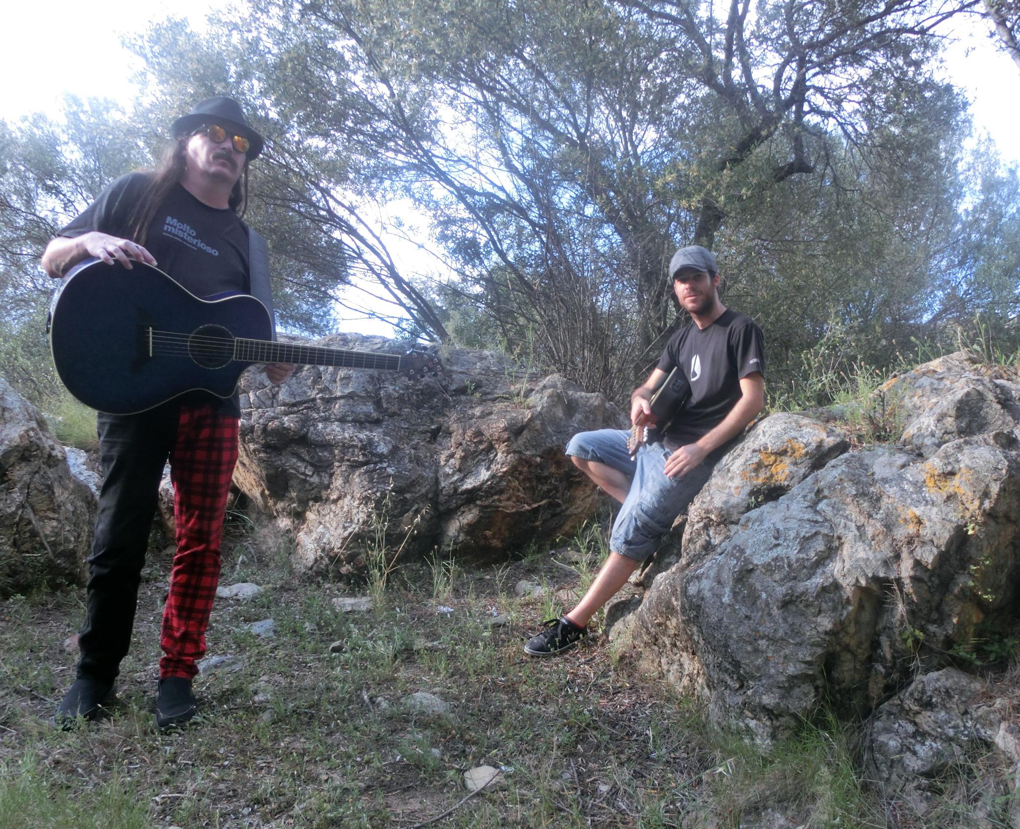 """Terry Patrick Ryan & Pablo Guirao tanquen el cicle D'Nits al Castell amb el seu """"Double Guitar Attack"""""""