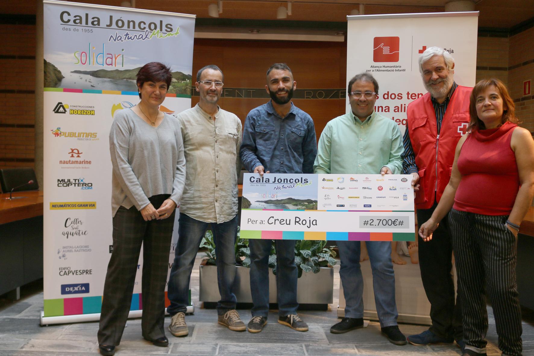 L'Hotel Cala Jóncols lliura a Creu Roja 2.700€ recaptats en la Jornada per a l'alimentació infantil