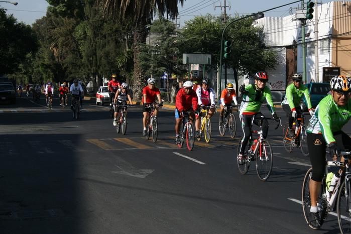 Acte d'homenatge al ciclista que fou atropellat a Roses