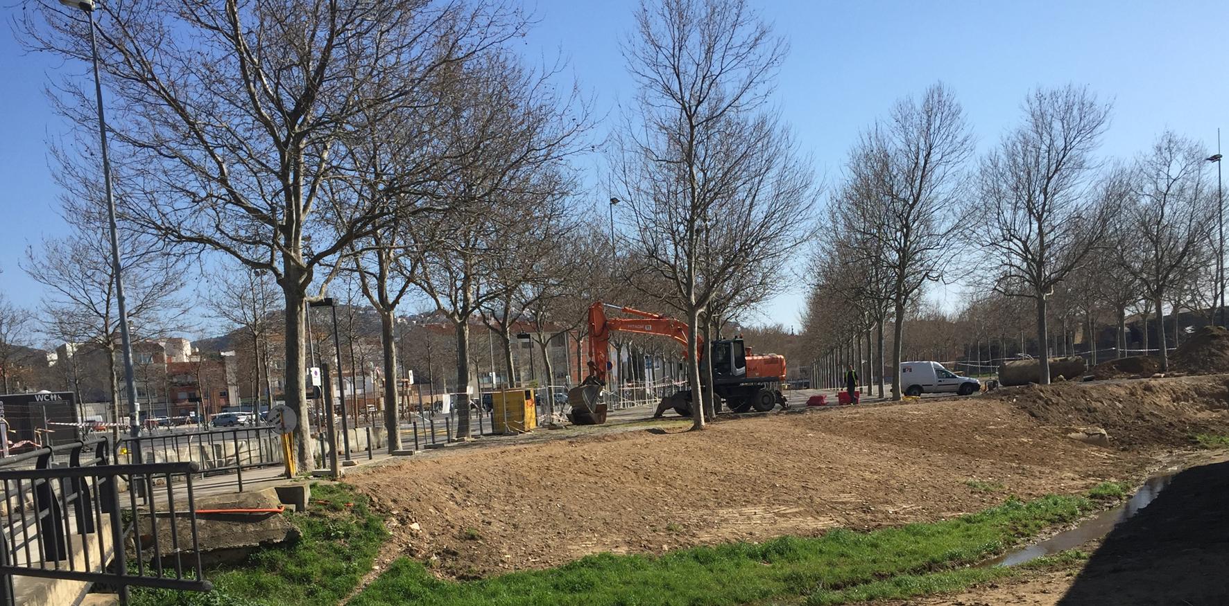 Comencen les obres per fer transitable el perímetre exterior del fossat de la Ciutadella de Roses