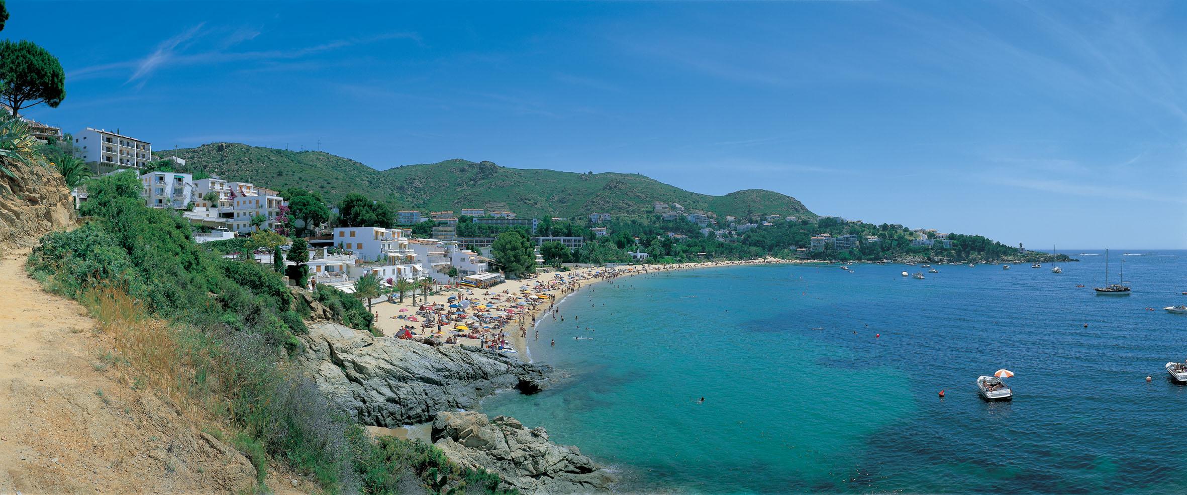 Les platges de Roses renoven els certificats de qualitat i excel·lència EMAS i ISO 14001