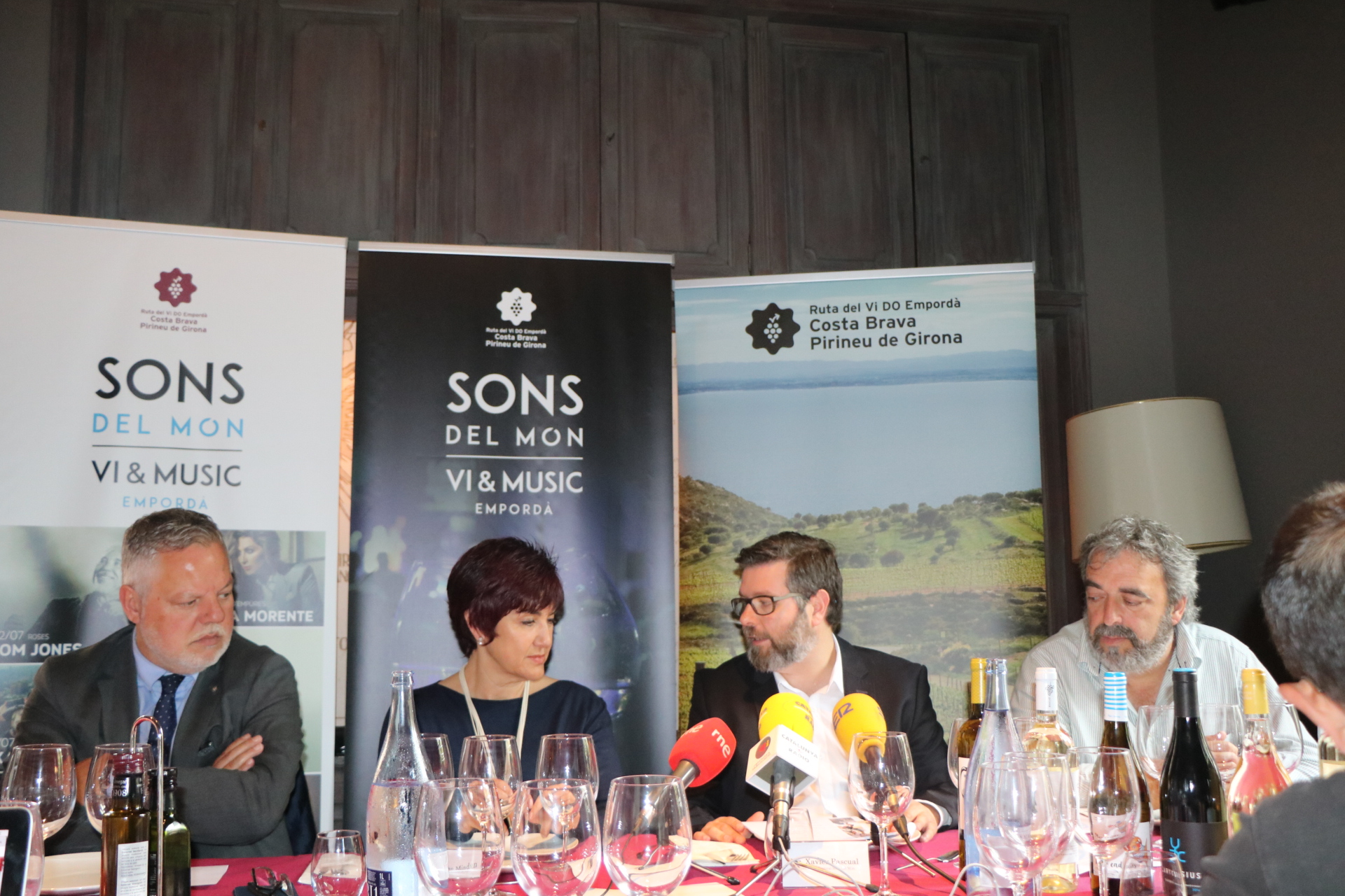 Tom Jones, Txarango, Gertrudis, David Bustamante i Loquillo actuaran a Roses dins el Sons del Món 2017