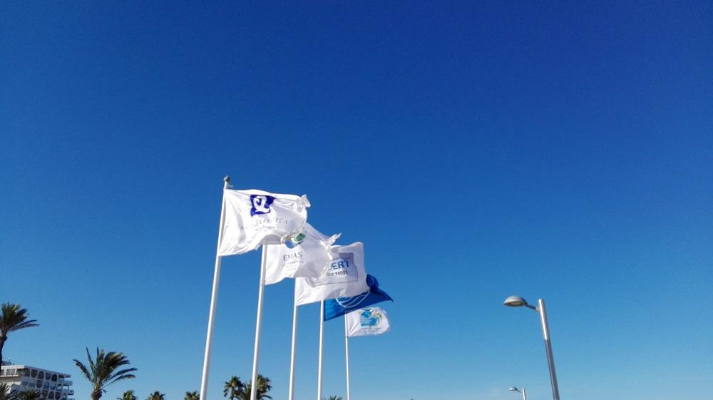 La Bandera Blava tonarà a onejar enguany a la platja d'Empuriabrava