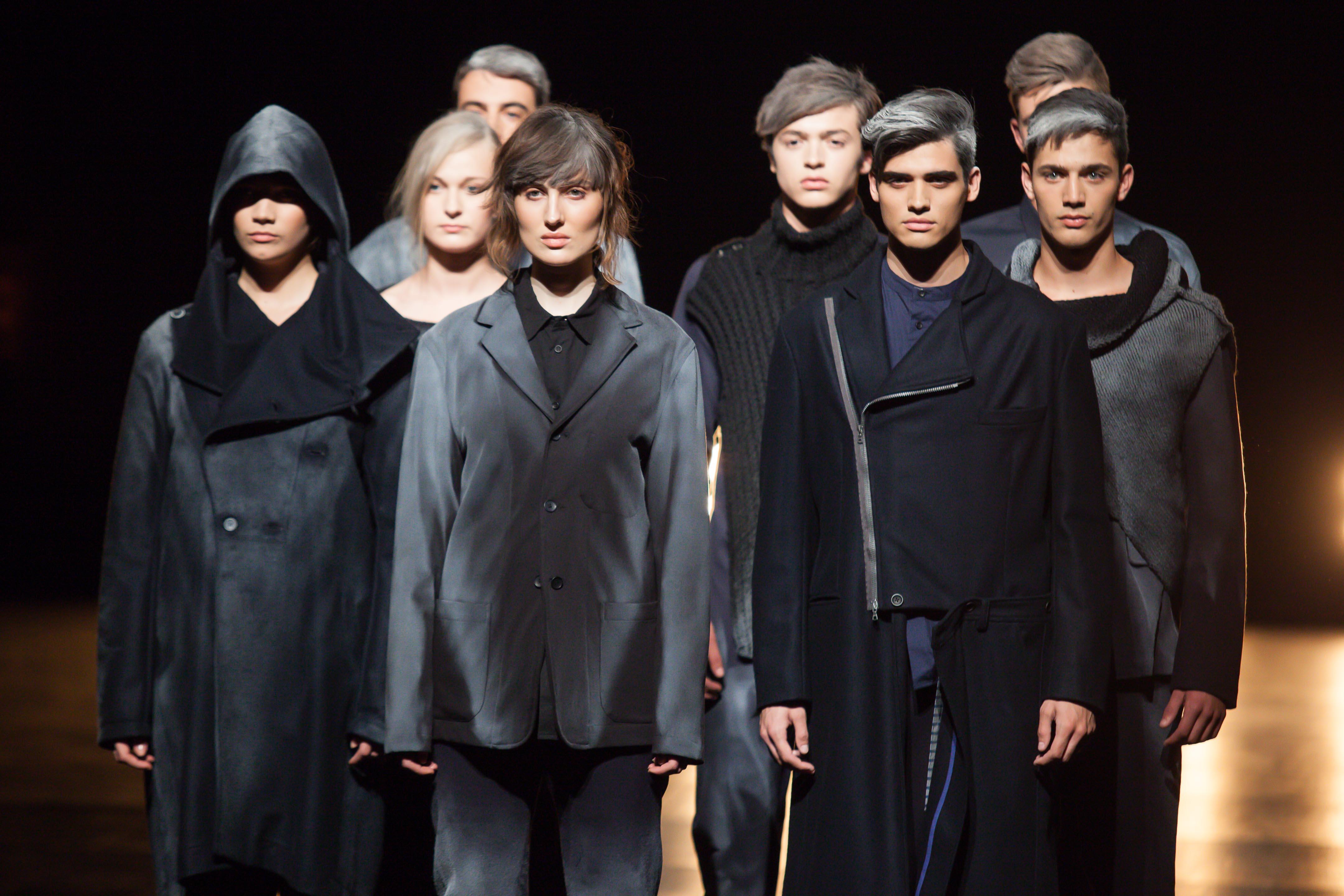 Es presenta la 3a edició de la Setmana de la Moda de Girona en un acte sorpresa al Pont de Pedra
