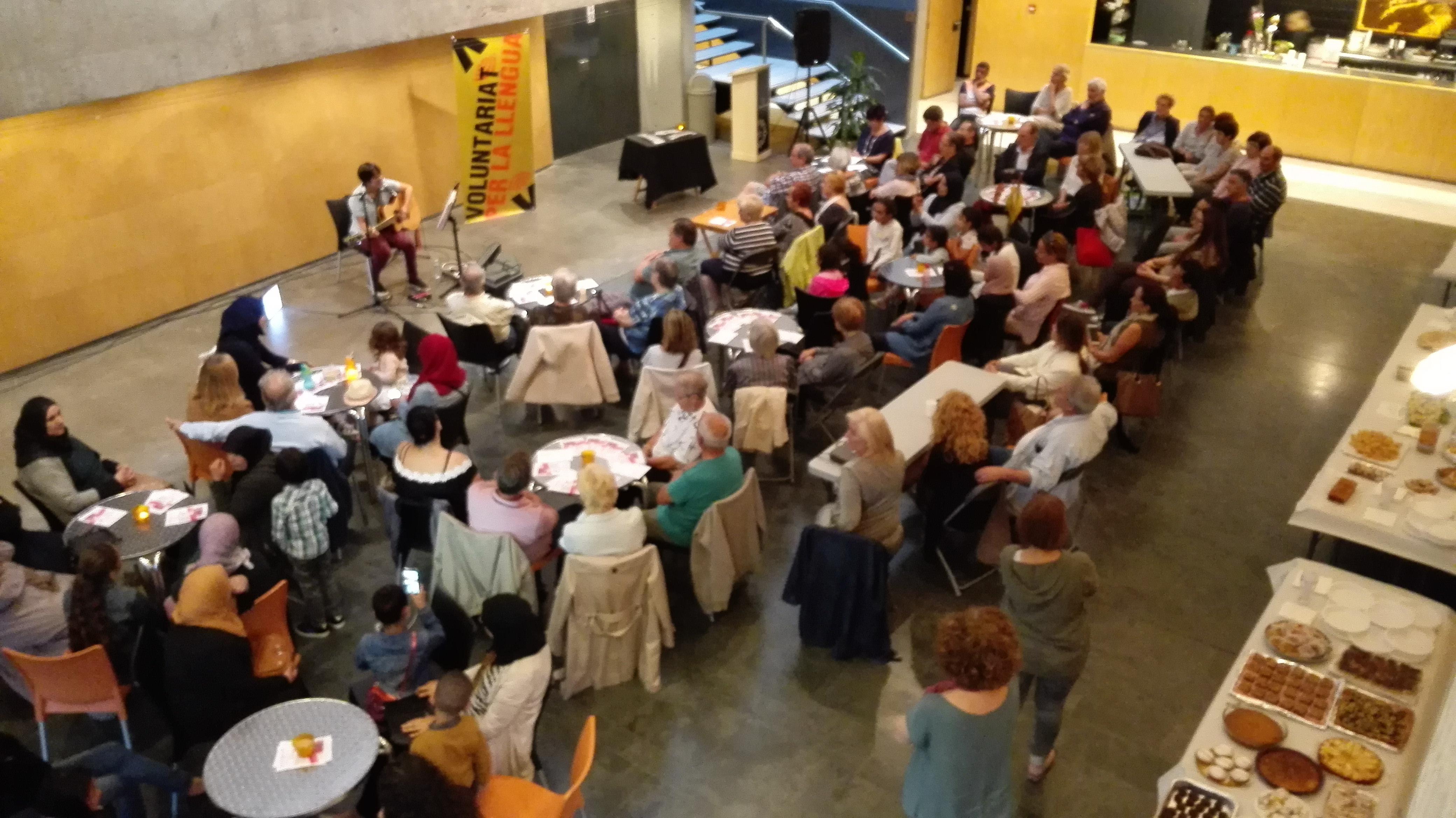 La festa de cloenda dels cursos de català i del programa VxL de Roses