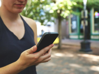 Espanya s'ha col·locat com a líder a Europa al mercat de telèfons intel·ligents. / URV