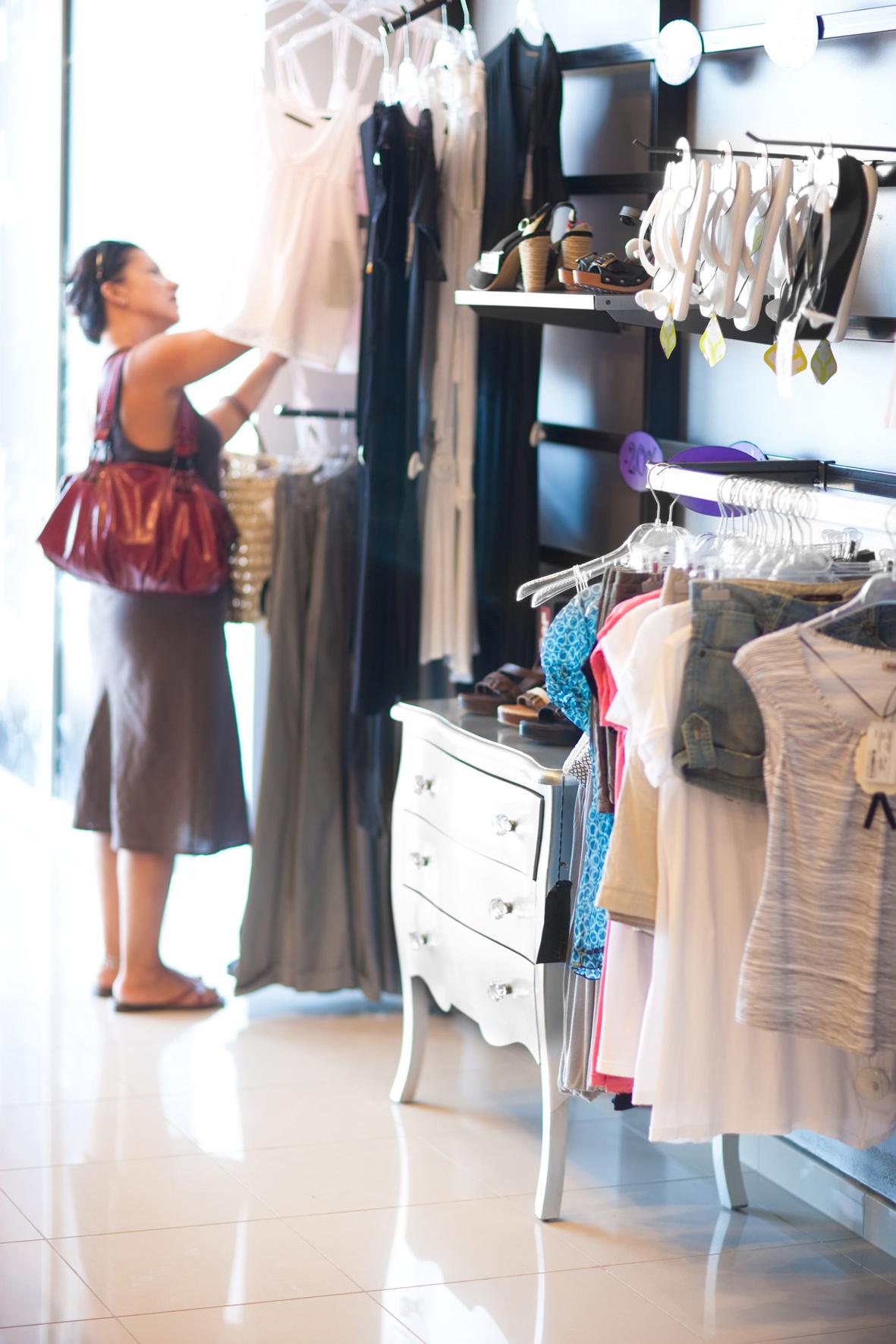 S'inicien les enquestes a clients i establiments de Roses per conèixer la situació del sector comercial
