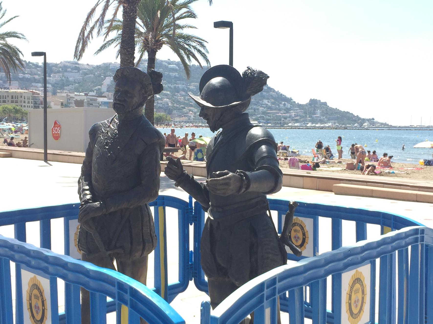 Tres nous personatges habiten el passeig Marítim i el passeig de la Ciutadella de Roses