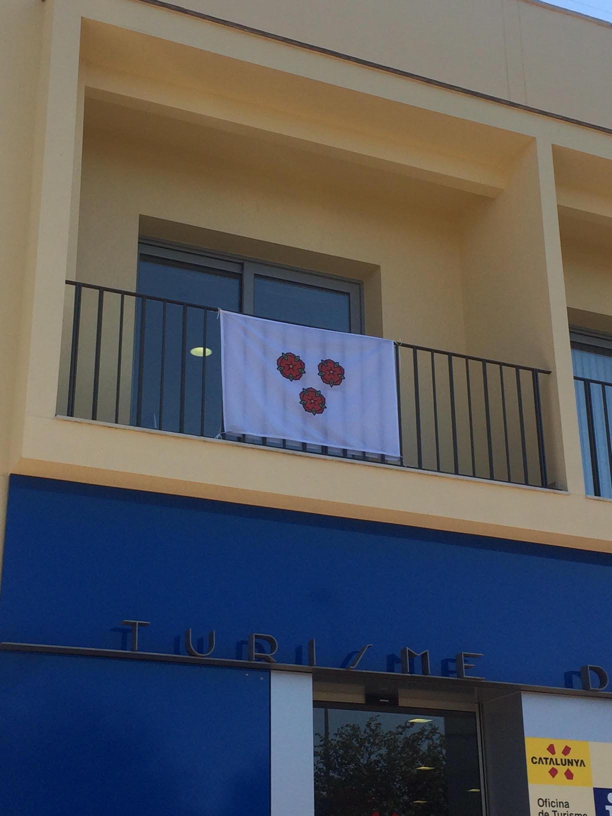 Nova comanda de banderes de Roses