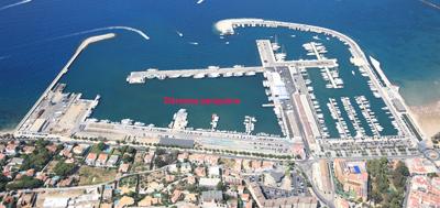Ports licita el projecte de reparació de dos molls i un pantalà a la dàrsena pesquera del Port de Roses