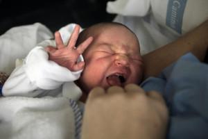 Como-responden-las-madres-al-llanto-de-los-bebes_image_380