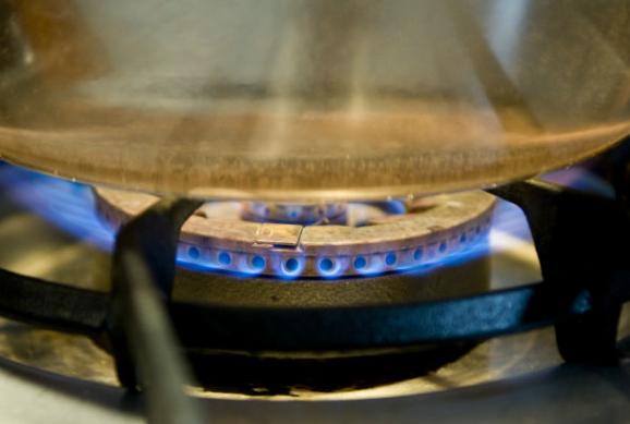 Un fulletó de Gas Natural informa del procés de canvi de gas propà a gas natural que afecta Roses
