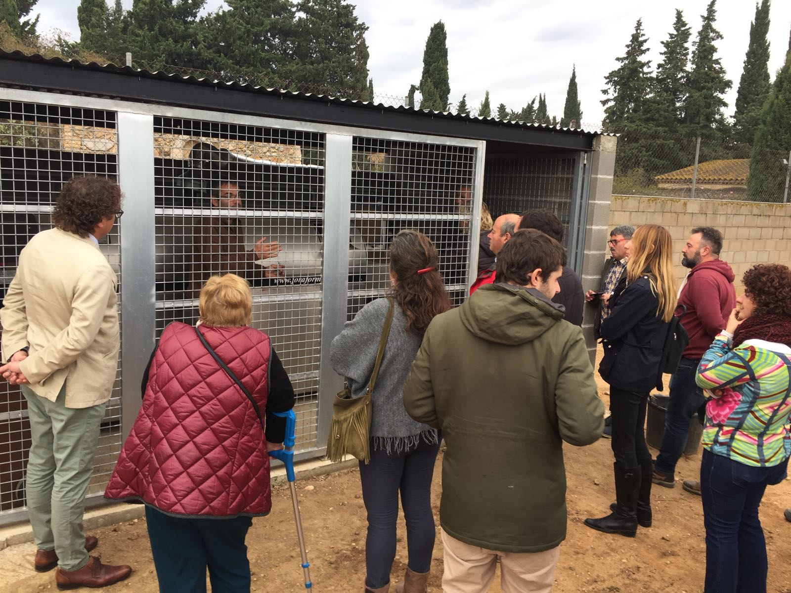 La prova pilot per recollir la matèria orgànica de Viladamat utilitzant un compostador mecanitzat dóna bons resultats