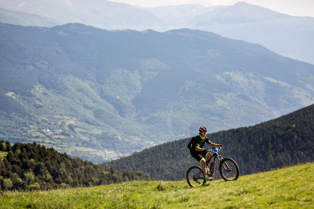 Transpyr Coast to Coast, amb sortida des de Roses, obre la competició també a les bicicletes elèctriques