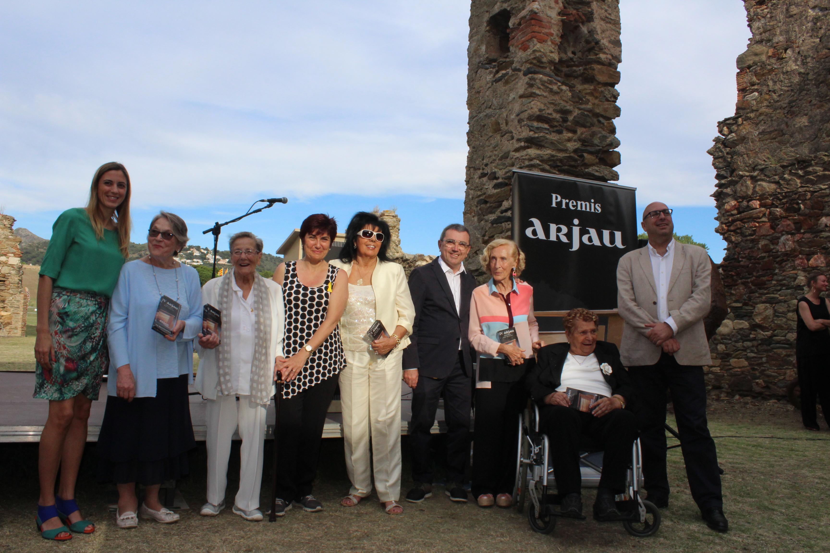 Cinc empresàries referents del turisme, el comerç i la gastronomia a Roses reben el premi Arjau