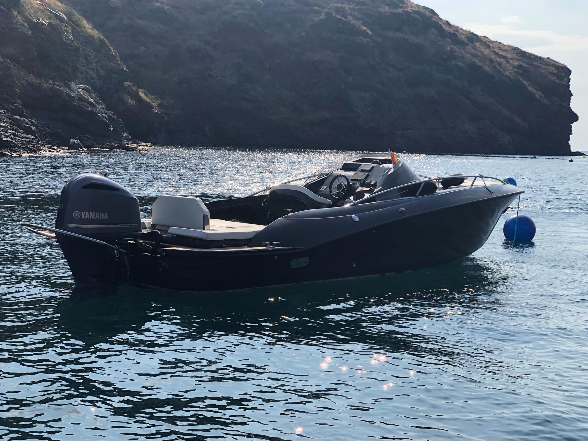 Control de fondejos d'embarcacions a Roses per protegir l'àmbit marí del Parc Natural del Cap de Creus