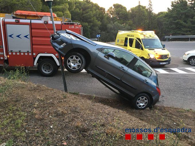 Els Mossos detenen un home que va quadruplicar la taxa màxima d'alcohol després d'accidentar-se a Llançà