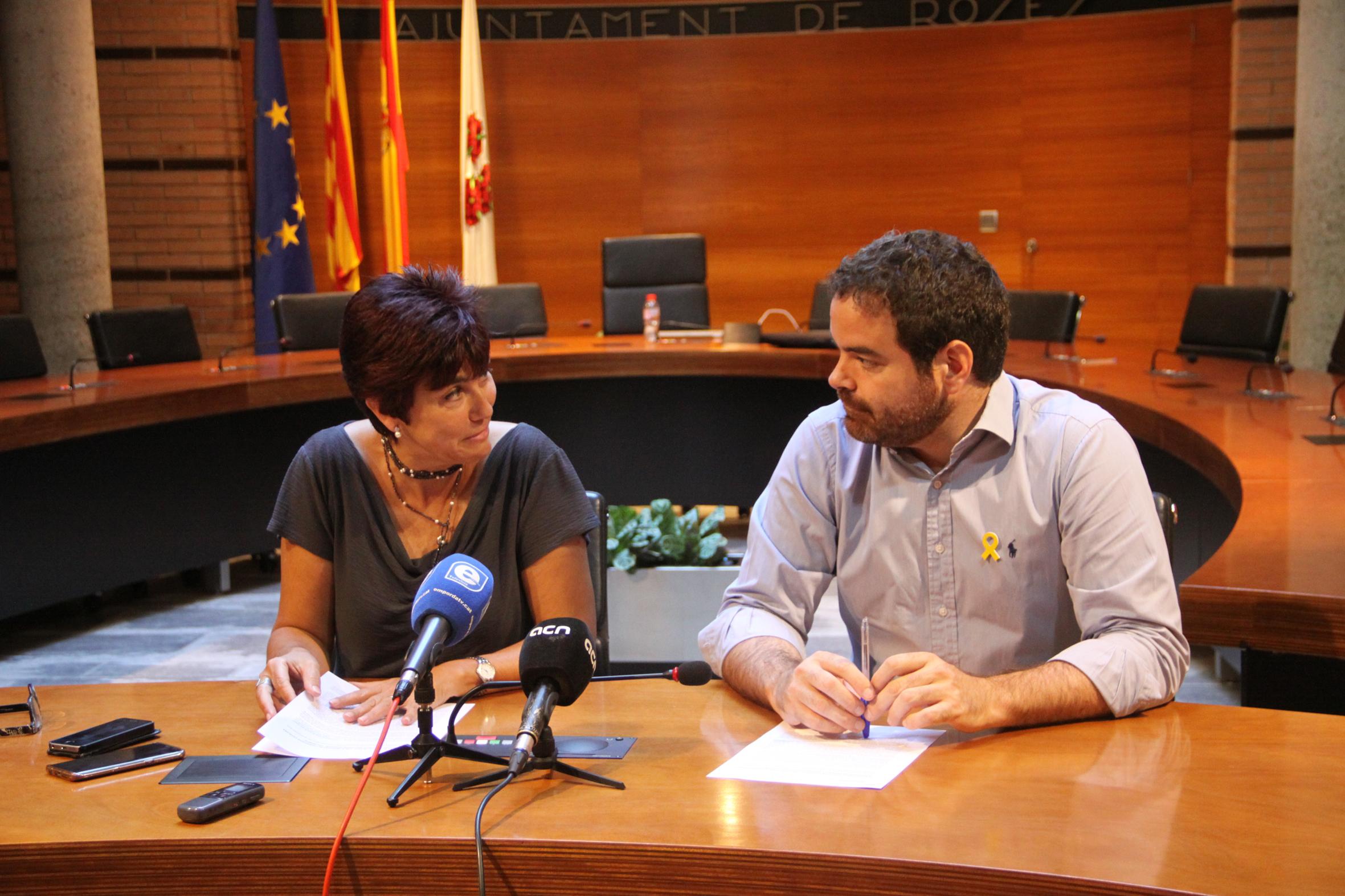 """Reunió a Roses davant la problemàtica del """"TOP MANTA"""""""