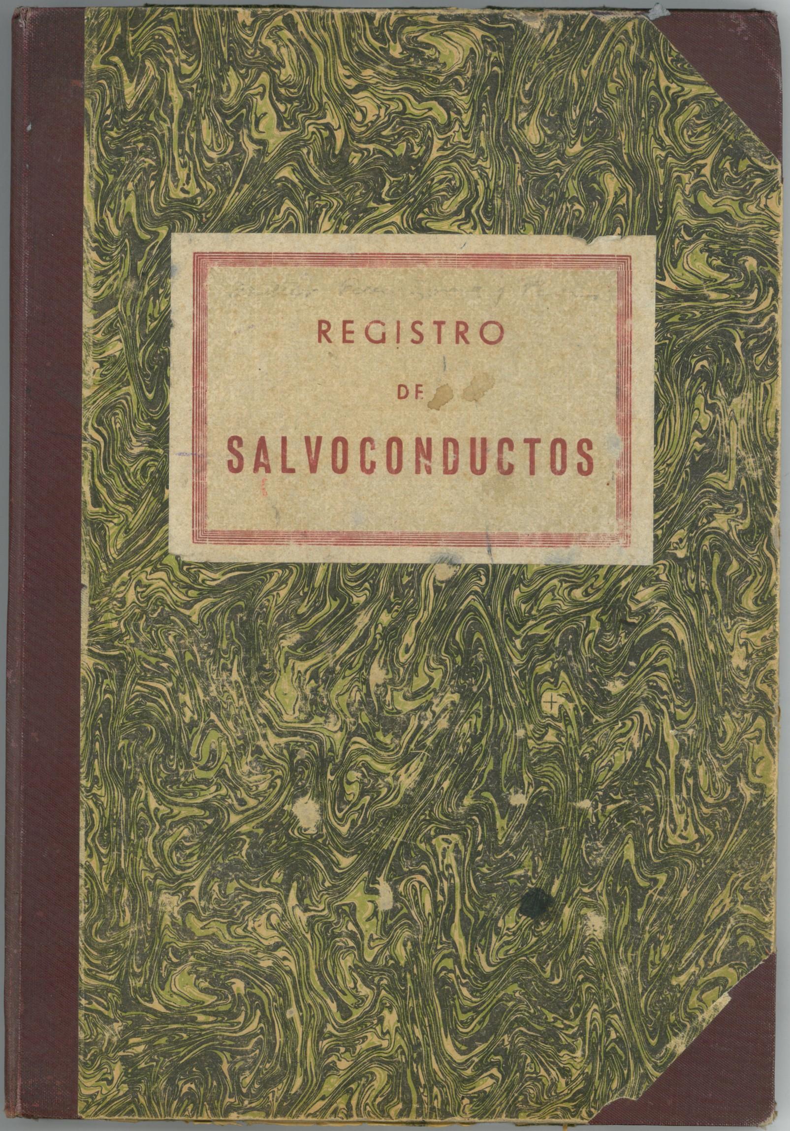 """Un llibre de Registre de Salconduits, en el """"Document del Mes"""" de l'Arxiu de Roses"""