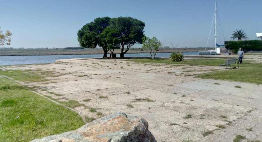 Roses renovarà la zona verda del canal Gran de Santa Margarita com a zona de descans i mirador als Aiguamolls