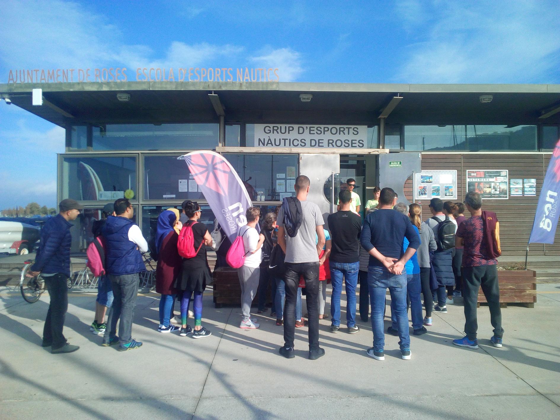 Alumnes de català participen en un taller nàutic al GEN Roses