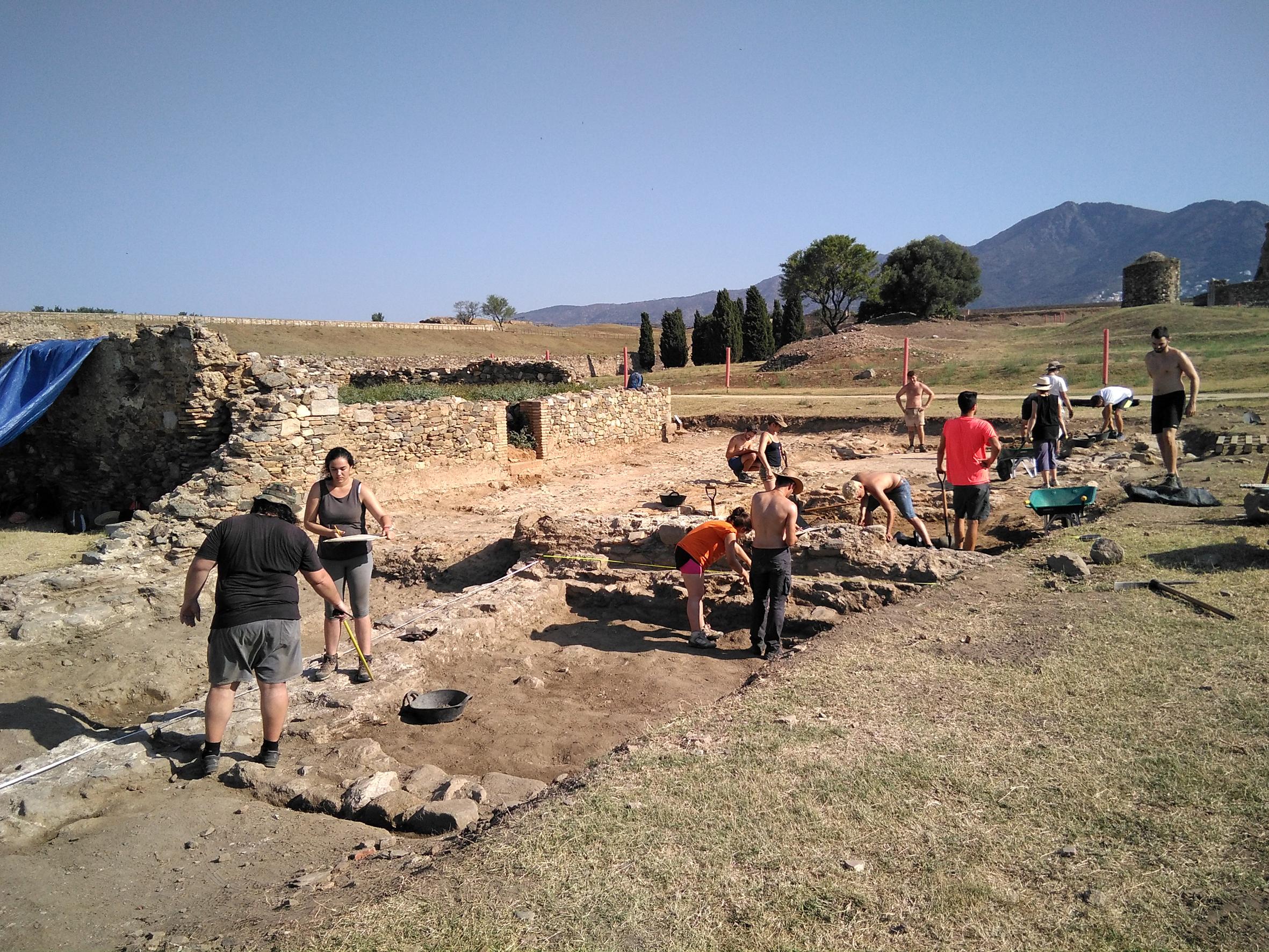 Dues conferències apropen el patrimoni arqueològic a partir d'excavacions fetes a la Ciutadella de Roses