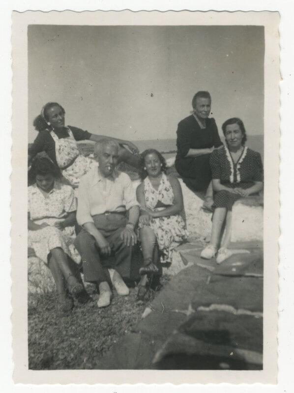 L'Arxiu Comarcal rep un fons totogràfic familiar, que abasta des de 1890 fins al 1985