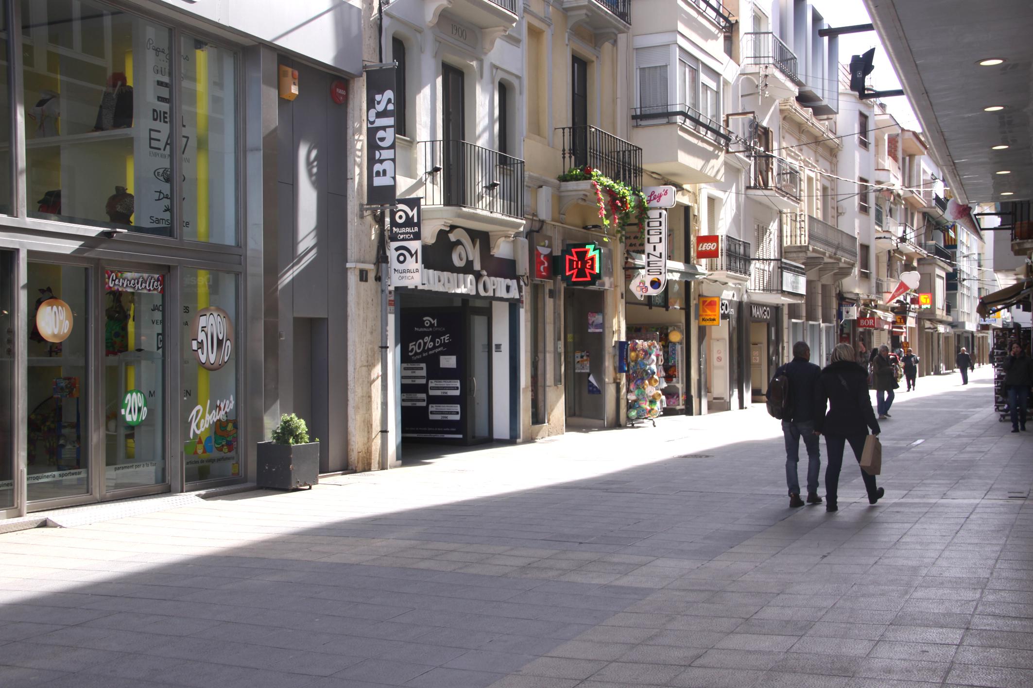 L'Ajuntament de Roses visita i entrevista comerços i empreses locals per conèixer les necessitats del sector