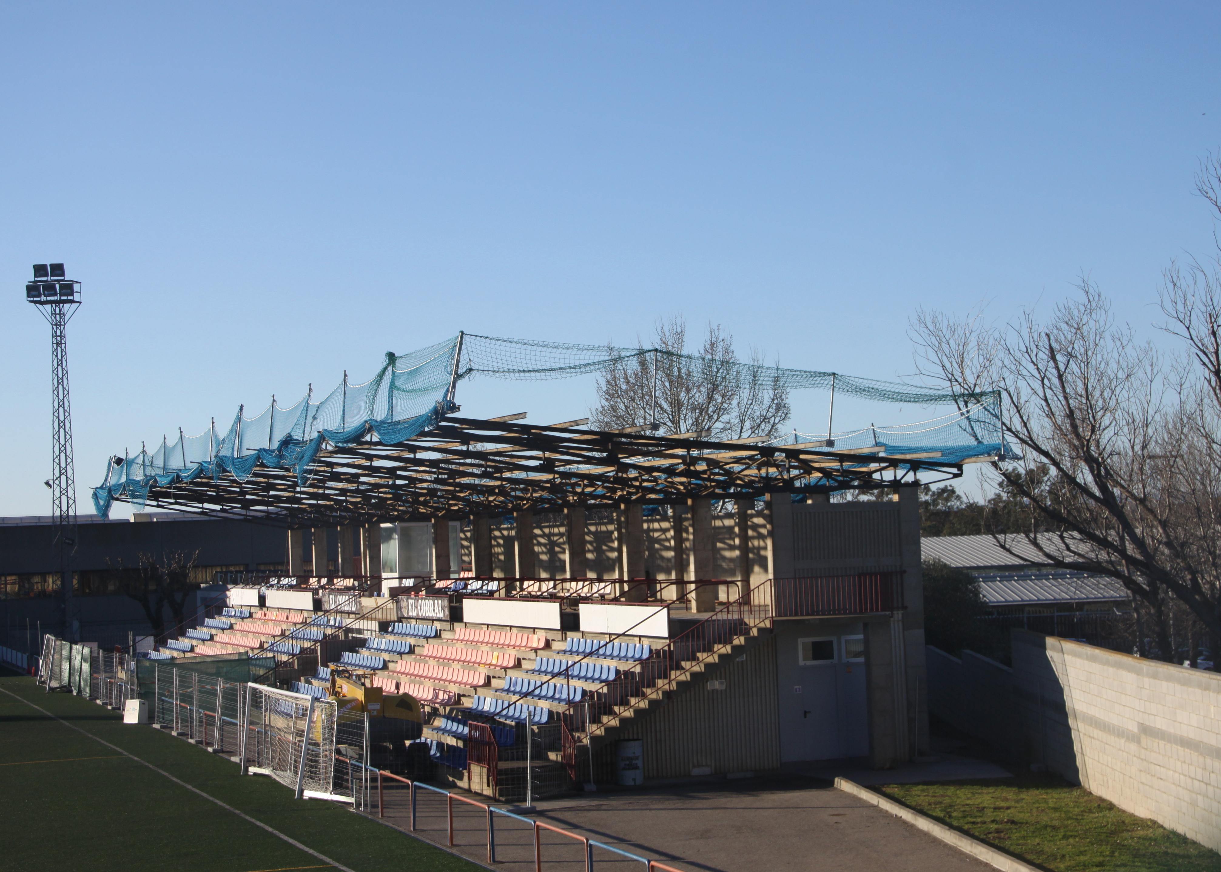 S'inicia la substitució de la coberta de l'Estadi Municipal de Roses