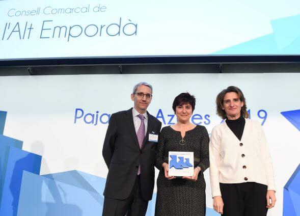 El Consell rep tres 'Pajaritas Azules' en reconeixement a la gestió de la recollida selectiva de paper i cartró a l'Alt Empordà