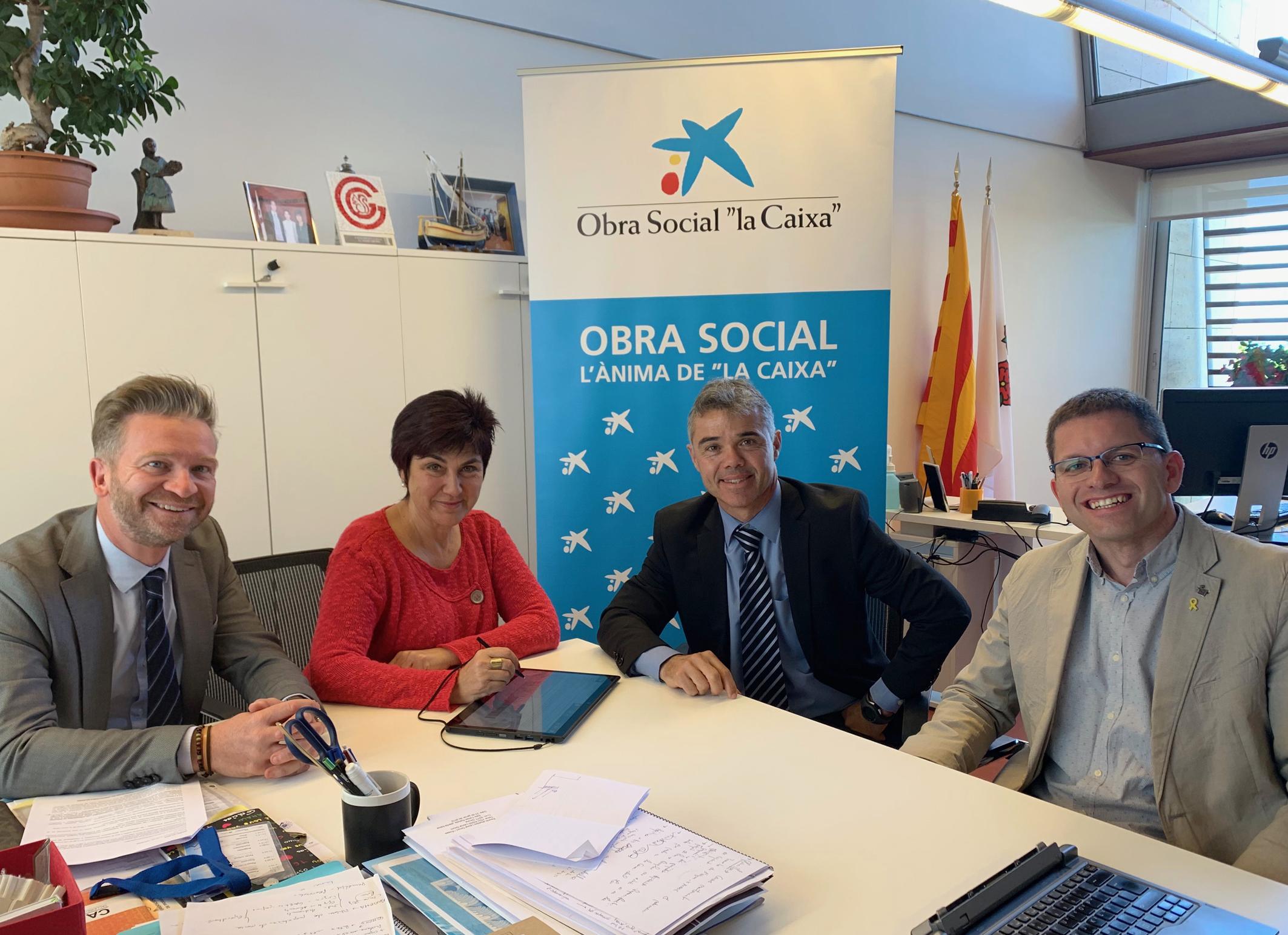 Signatura conveni amb l'Obra Social La Caixa per la realització de la Festa de la Vellesa 2019