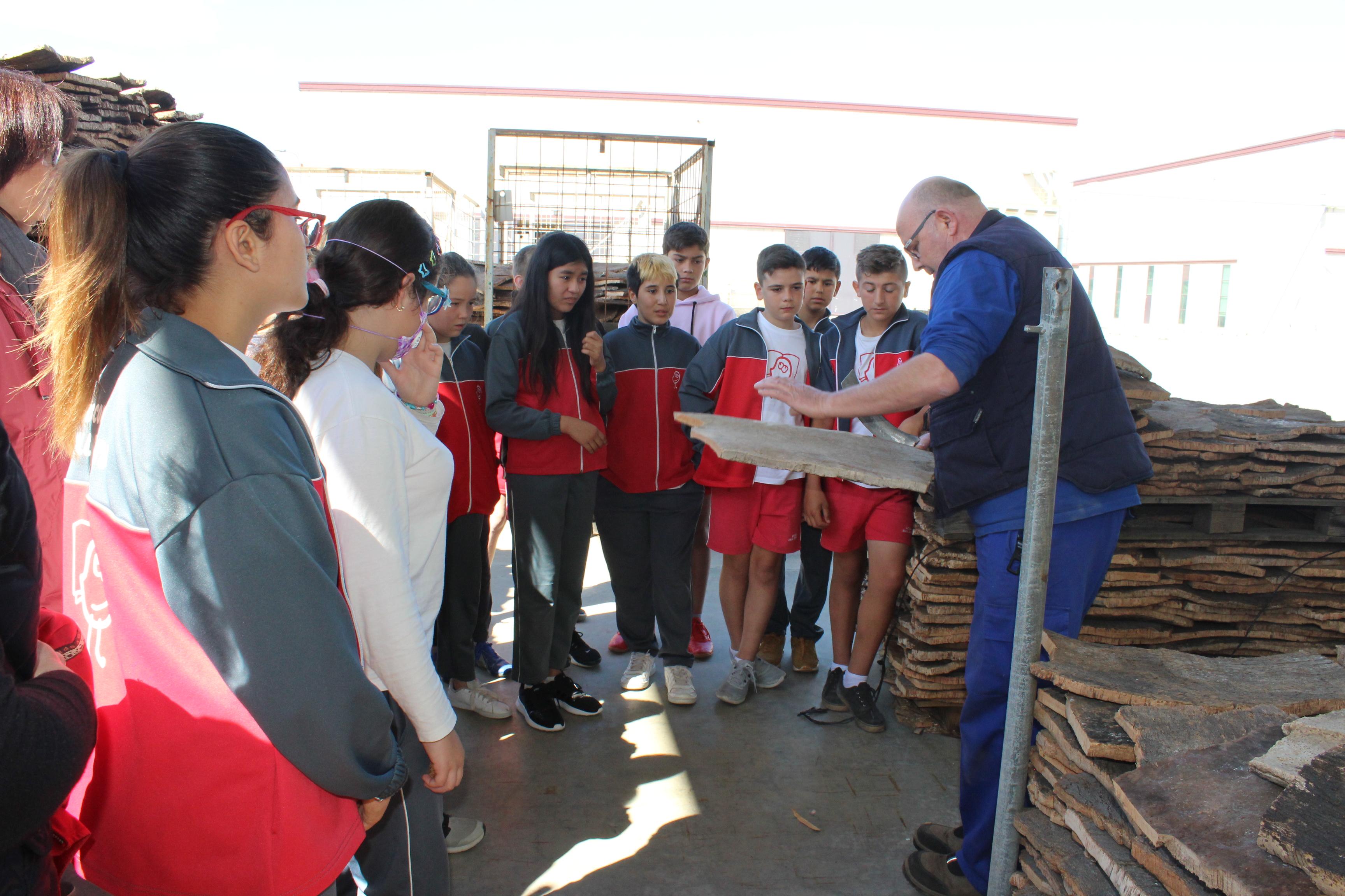 El programa de la FOEG per acostar l'empresa a les escoles es consolida i arriba a 2.700 alumnes