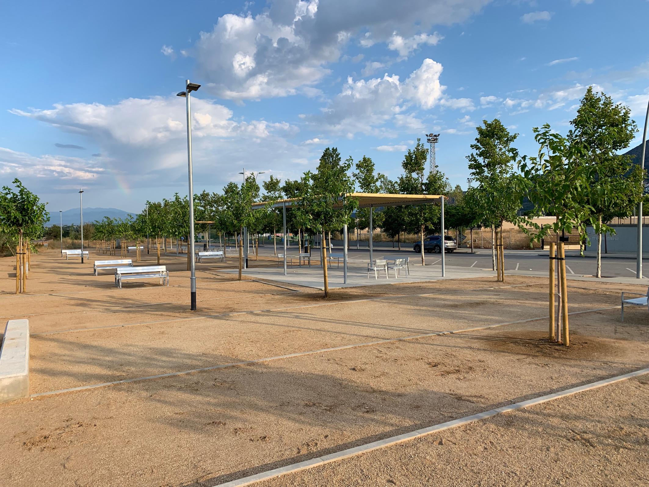 Roses ja disposa de noves pistes de petanca, bàsquet i patinatge