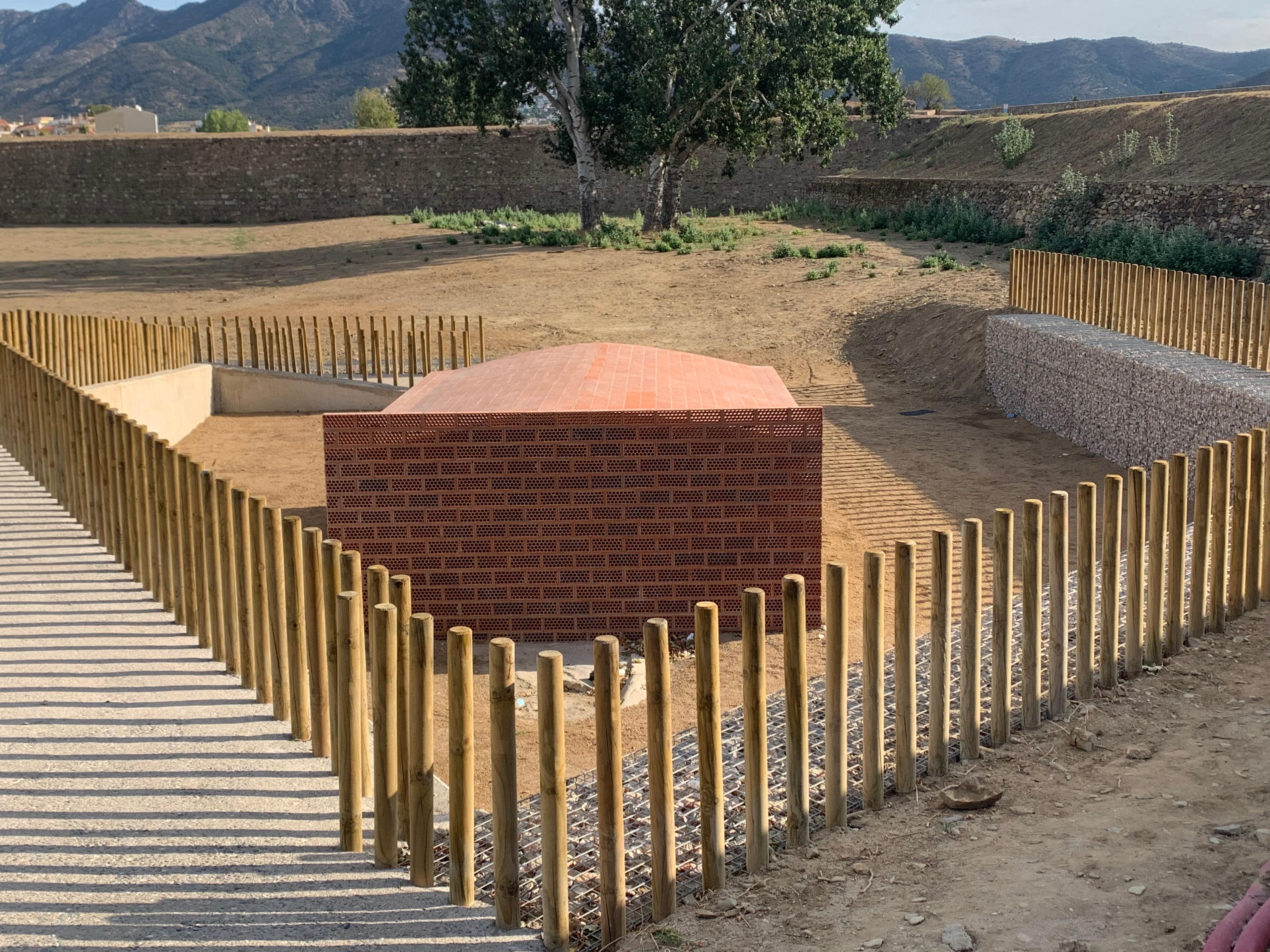 El projecte de la Riera de la Trencada descobreix part de la muralla de la Ciutadella i la font de la Vituà