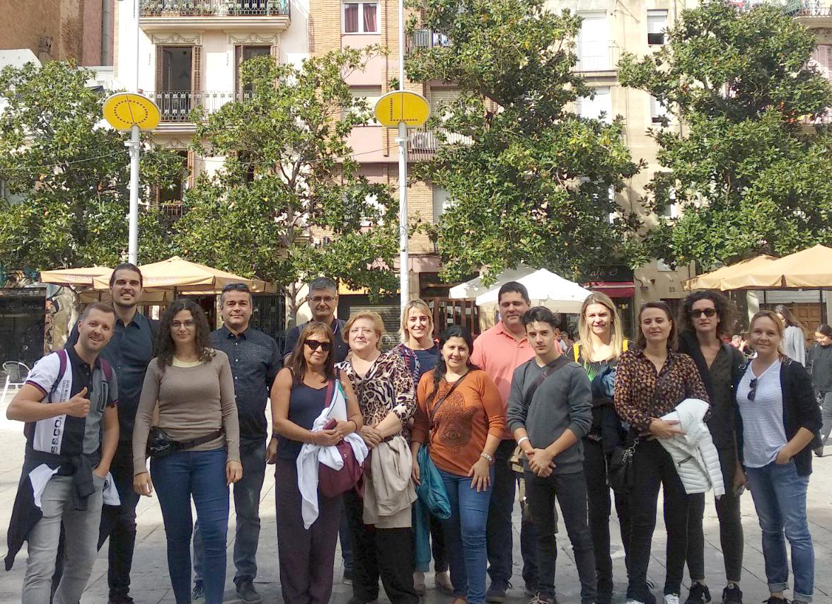 14 comerciants de Roses participen en una visita comercial guiada a Barcelona