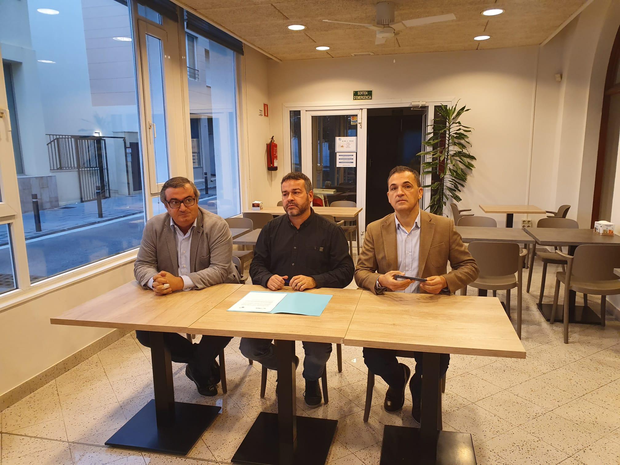 Gent del poble de Roses s'adhereix a la coalició de partits municipalistes i independents promoguda per TOTS x l'EMPORDÀ