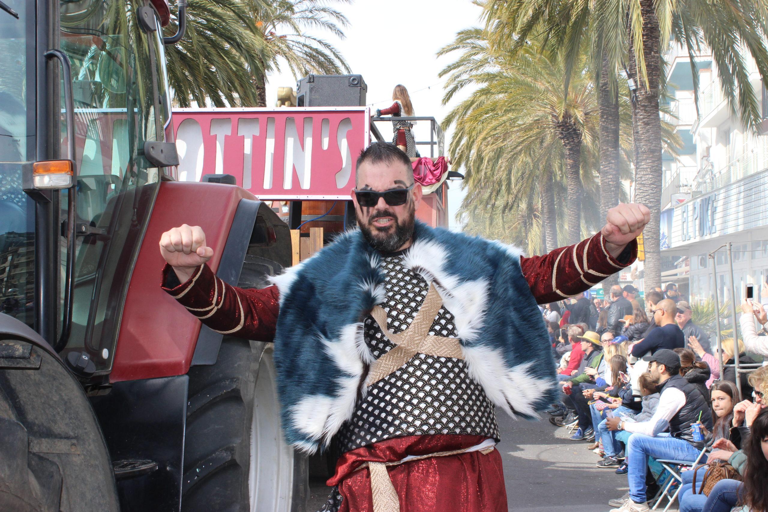 4.000 persones, 56 colles i 52 carrosses desfilaran al Carnaval de Roses