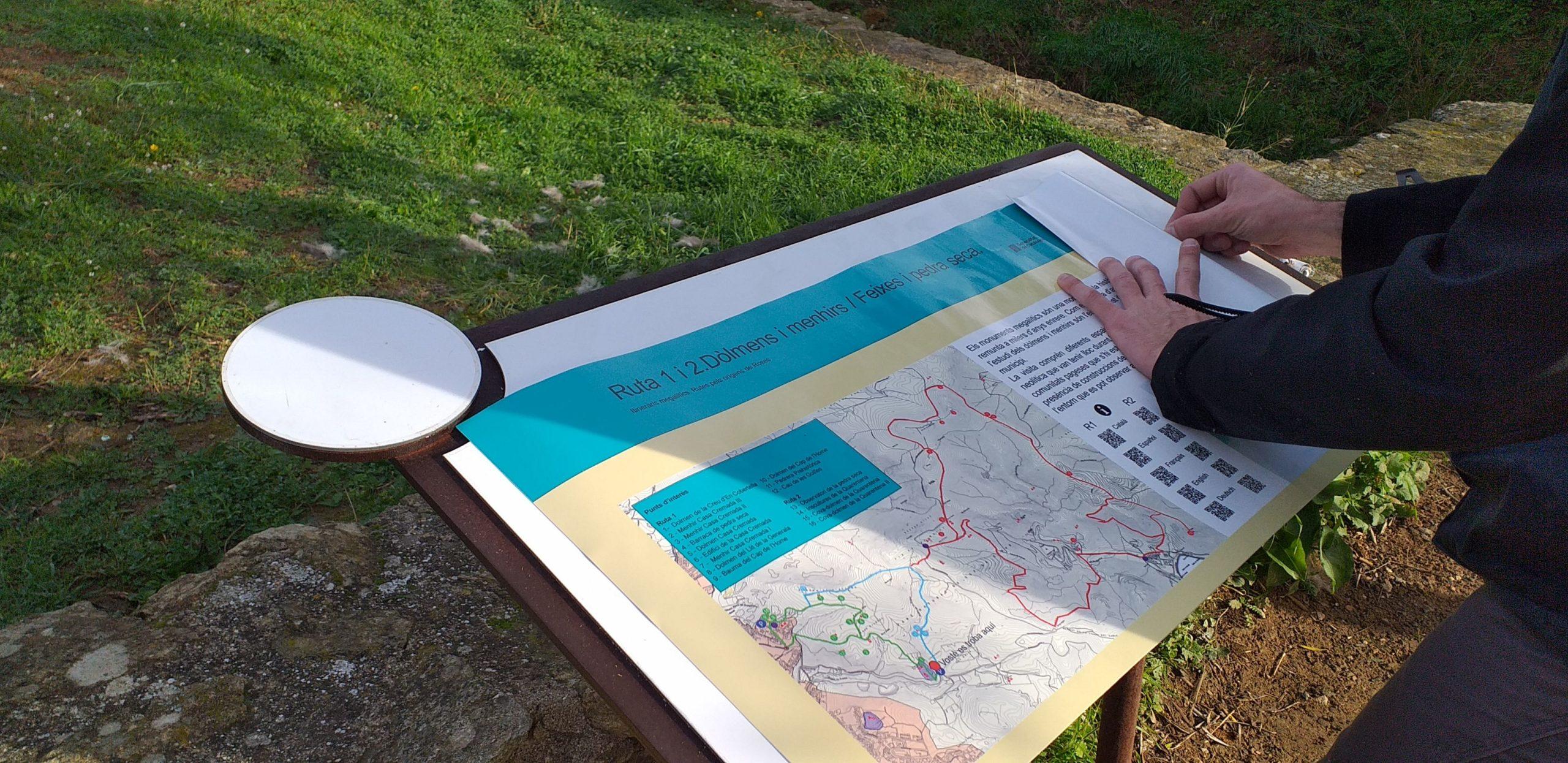 3 rutes a peu de Roses renoven la seva senyalització per posar en valor el patrimoni megalític