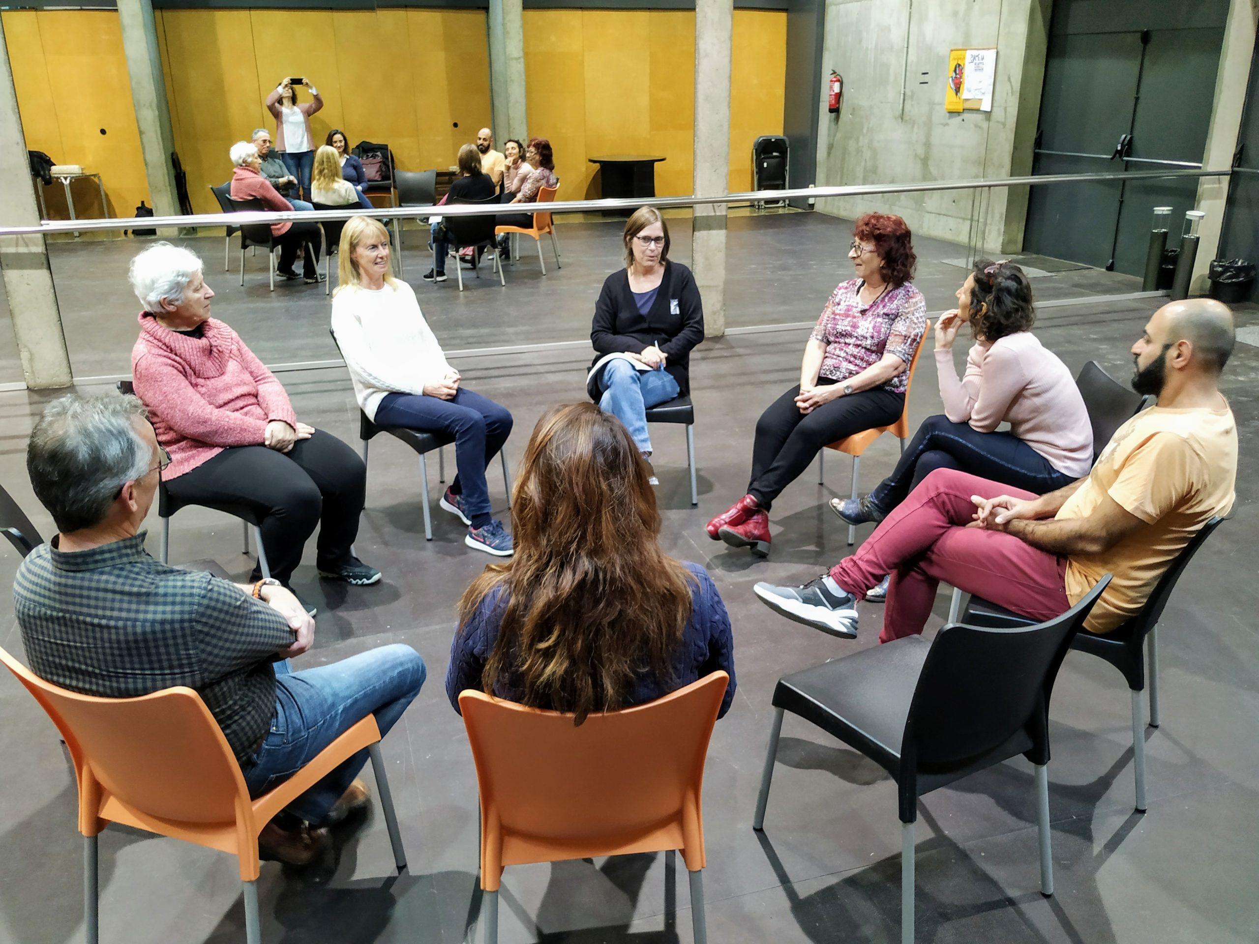 Taller de teatre en català dins el marc del programa Voluntariat per la llengua a Roses