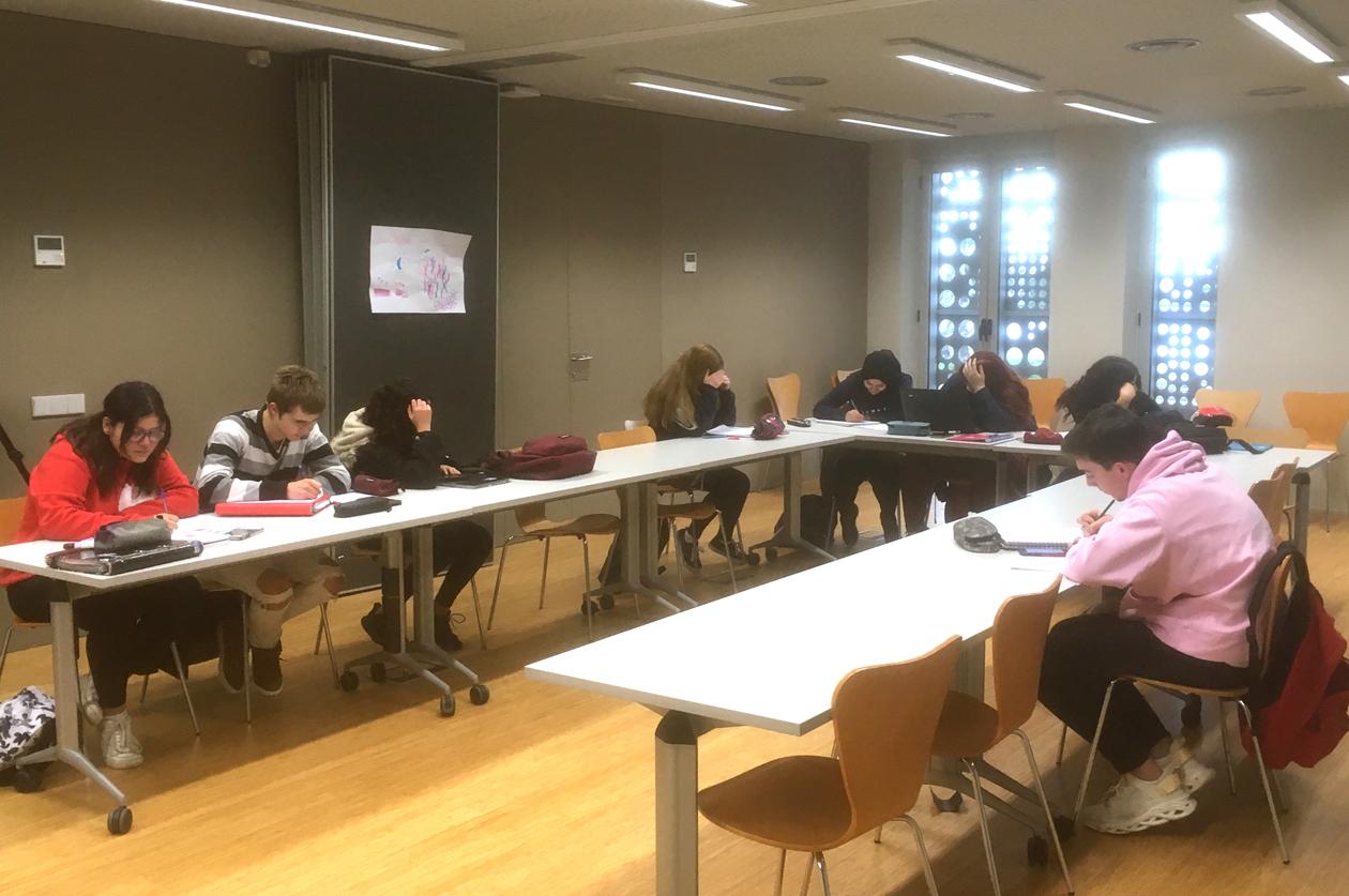 12 alumnes de Roses participen a l'Aula d'Estudi del Pla Educatiu d'Entorn