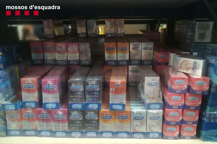 Denunciats penalment els administradors de dues empreses majoristes de drogueria per distribuir preservatius falsos i sense marcatge CE