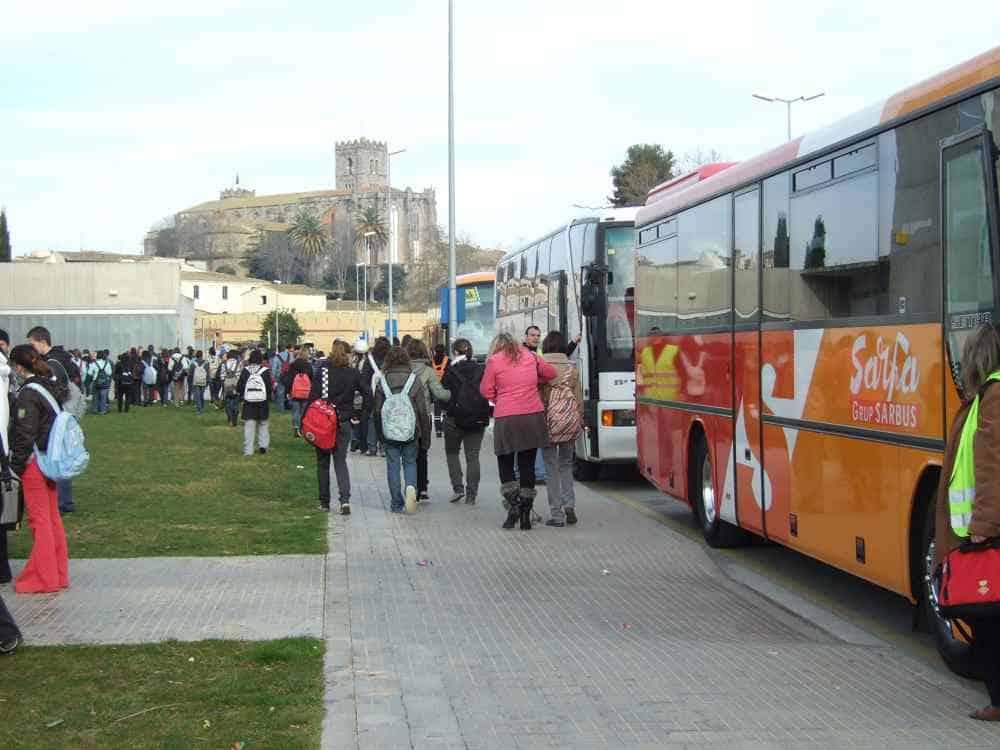 El Consell gestiona el transport escolar de 2.350 alumnes