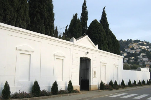 Horaris i mesures cementiri municipal per a Tots Sants